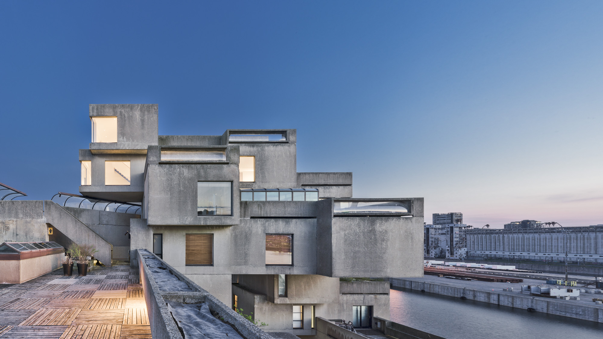 Moshe Safdie reworks his old brutalist apartment
