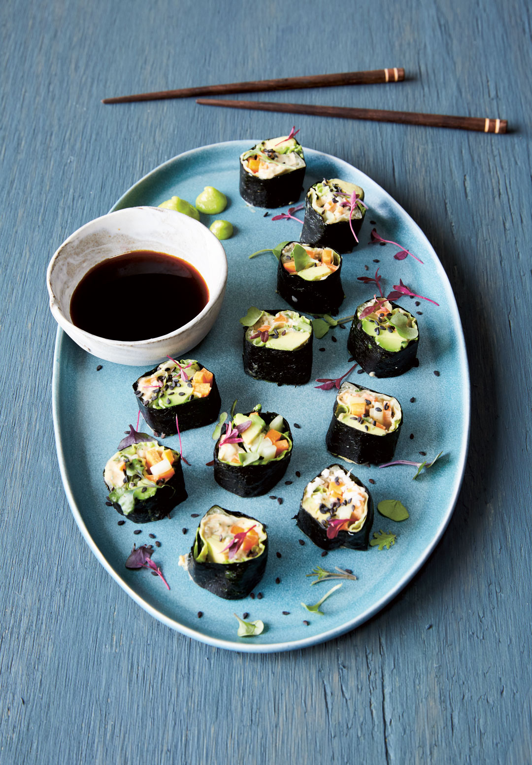 Raw nori and vegetable rolls
