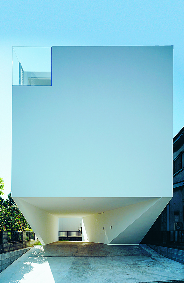 Outdoor House, Be-Fun Design, 2011, Ota-ku, Tokyo Prefecture. From Jutaku