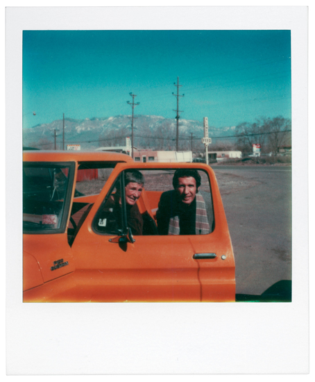 Agnes Martin and Arne Glimcher in her new truck, Galistera, New Mexico (1979)