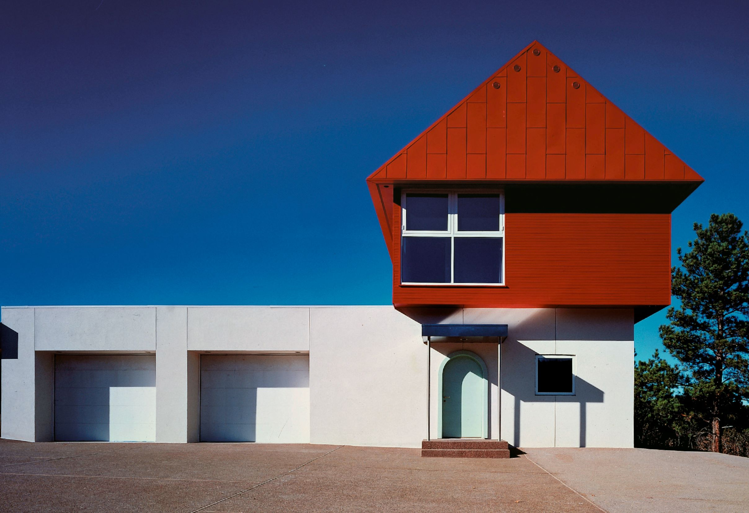 Sottsass Associati: Casa Wolf, Ridgeway, Colorado, USA, 1989