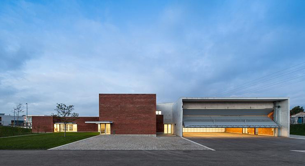Álvaro Siza designs fire station