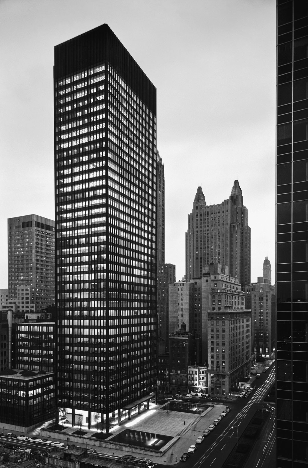 Ezra Stoller's Modern America: The Seagram Building