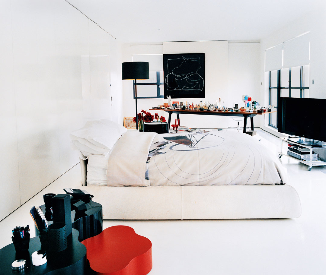 The bedroom where Zaha Hadid displayed her Murano glass
