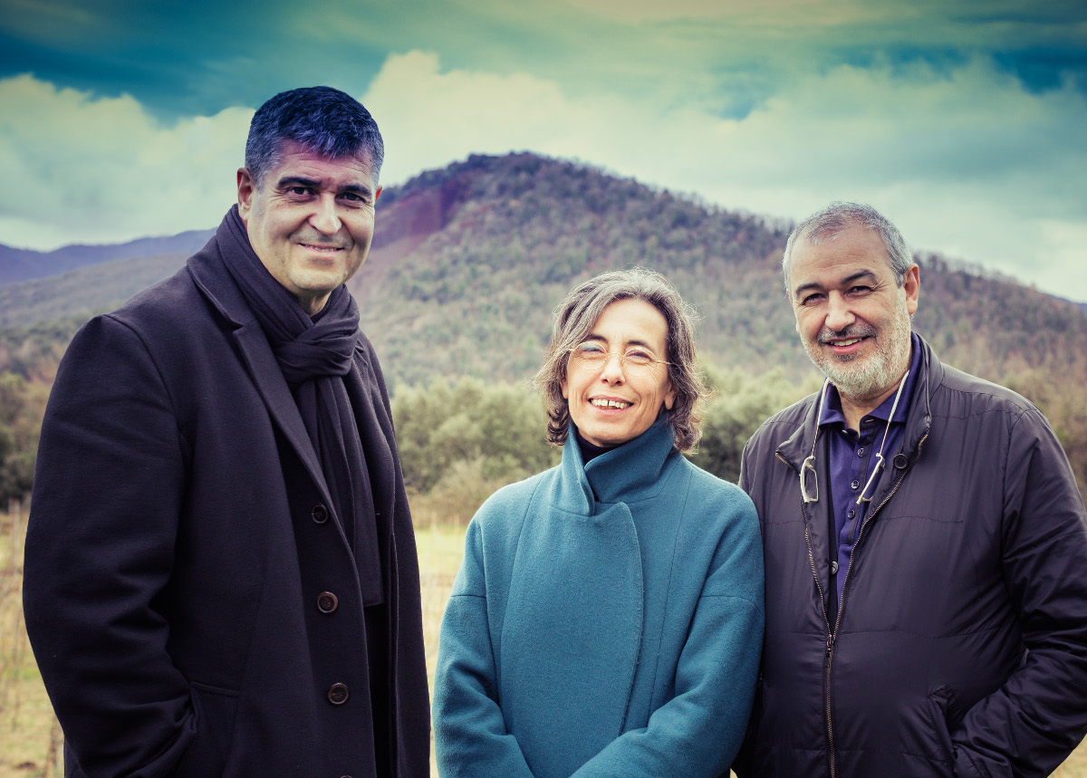 Rafael Aranda, Carme Pigem and Ramon Vilalta. Photo by Javier Lorenzo Domínguez. Image courtesy of the Pritzker Prize