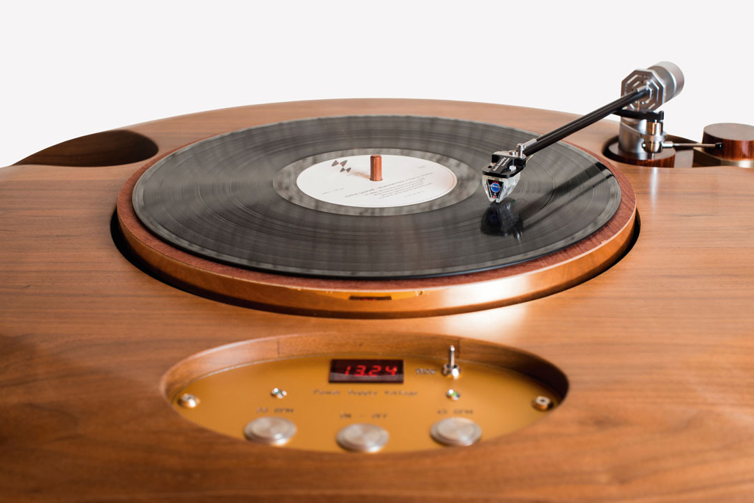 R-Evolution Meteor Stealth Turntable, Serge Schmidlin, Audio Consulting, 2010