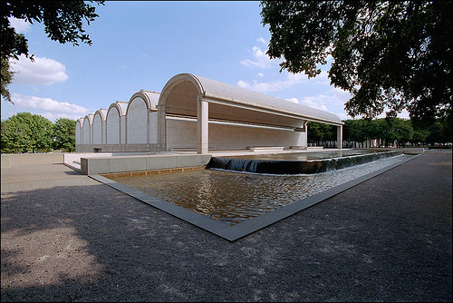 Kimbell Art Museum in Fort Worth, Texas - Louis I Kahn