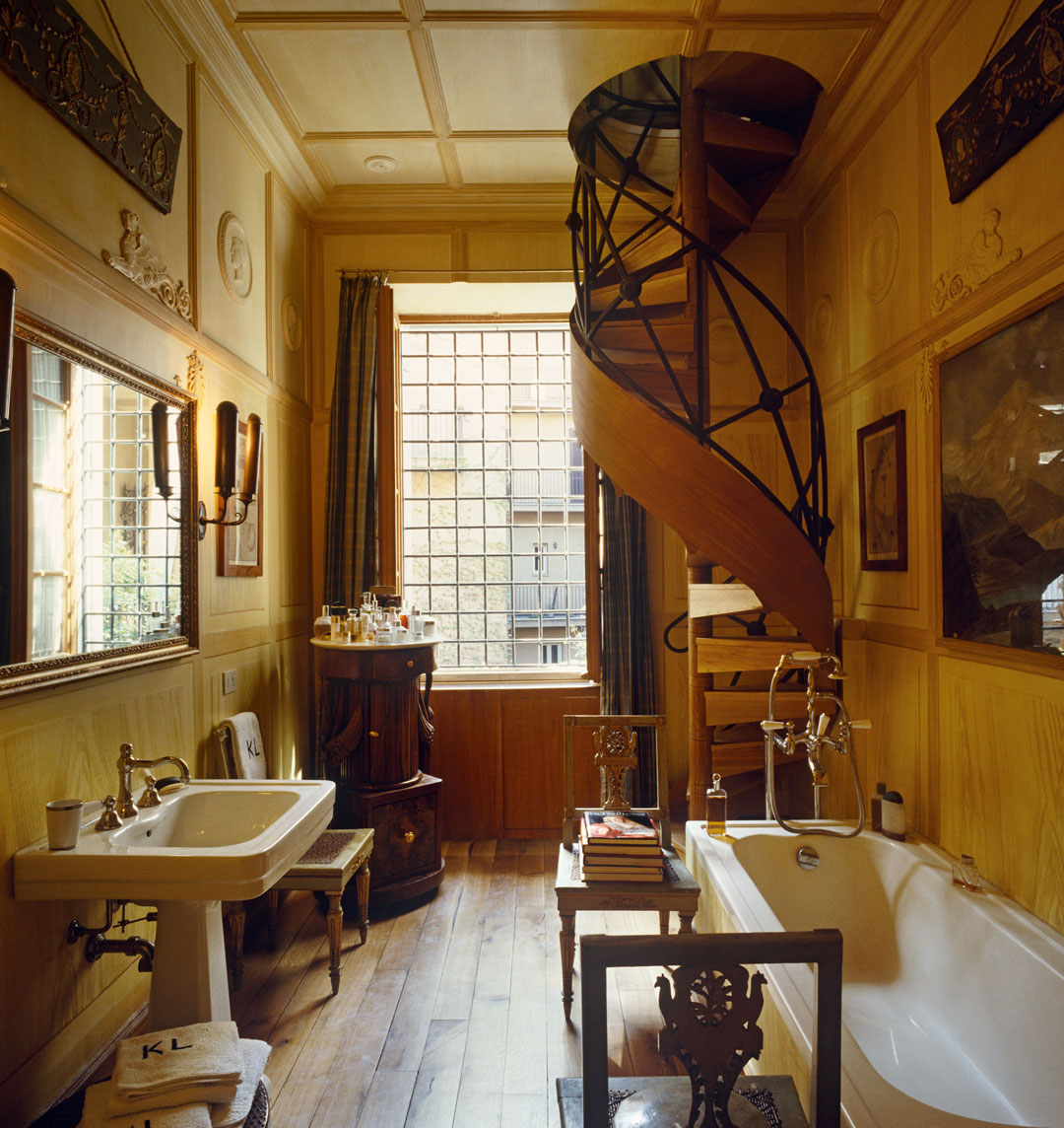 The Roman Bathroom Where Karl Lagerfeld