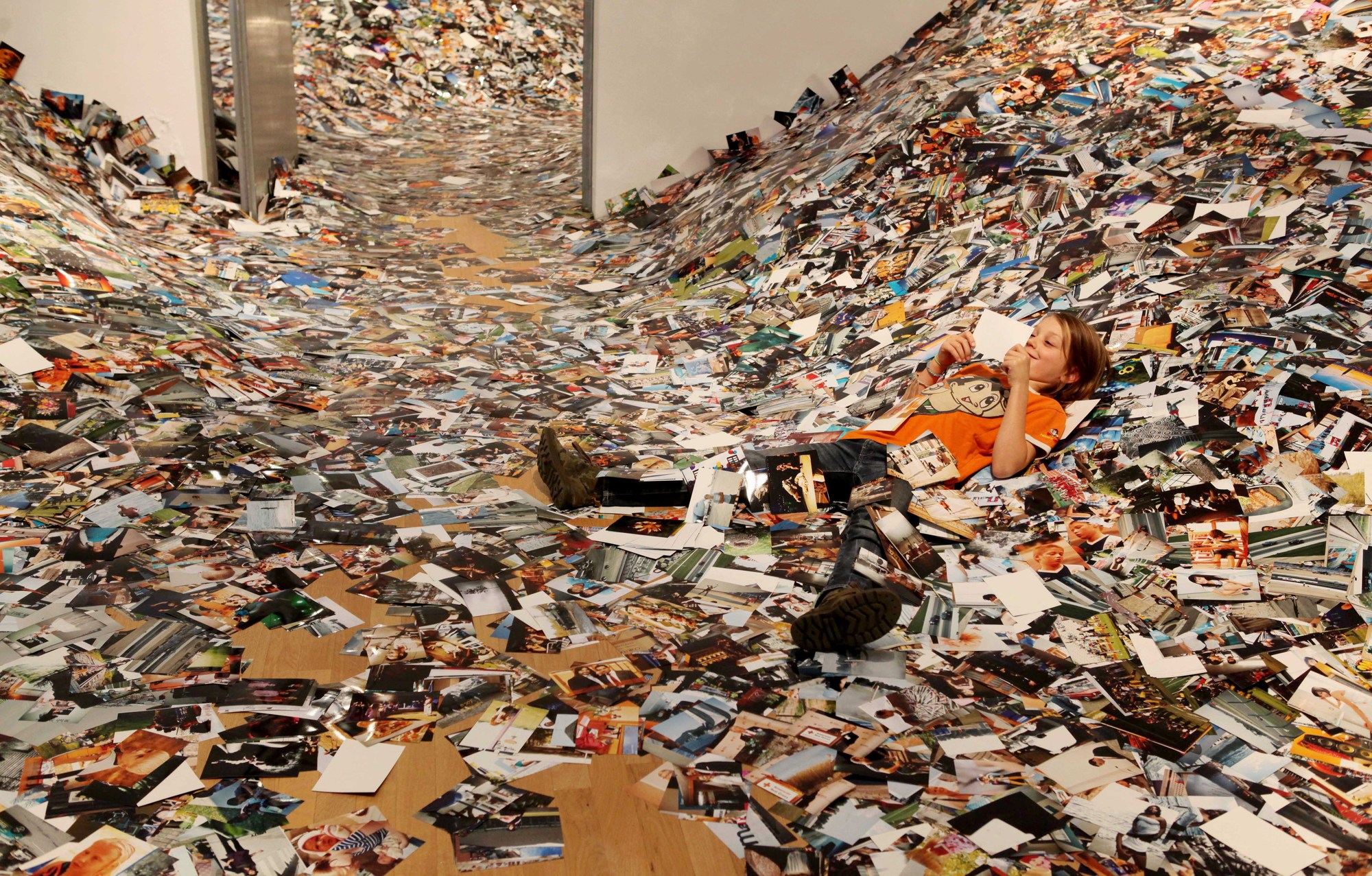 24hrs of Photos by Erik Kessels, Foam, Amsterdam, 2011