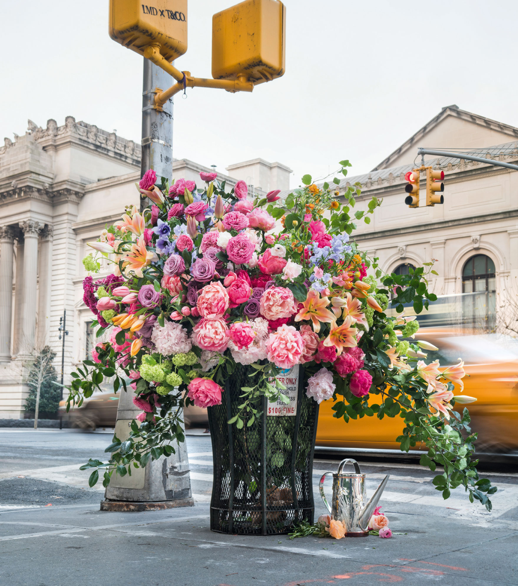 Lewis Miller Design, Flower Flash, 2018. Floral installation, New York. Photo by Raymond Meier