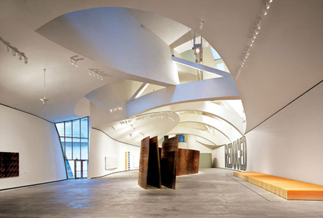 Buildings that changed the world the guggenheim museum bilbao architecture agenda phaidon for Guggenheim museum bilbao interior