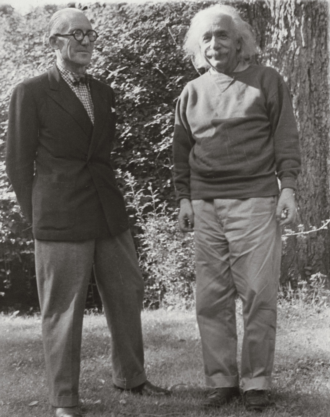 Le Corbusier with Albert Einstein in Princeton, New Jersey, 1946. Picture credit: courtesy Fondation Le Corbusier, Paris. As reproduced in Le Corbusier Le Grand