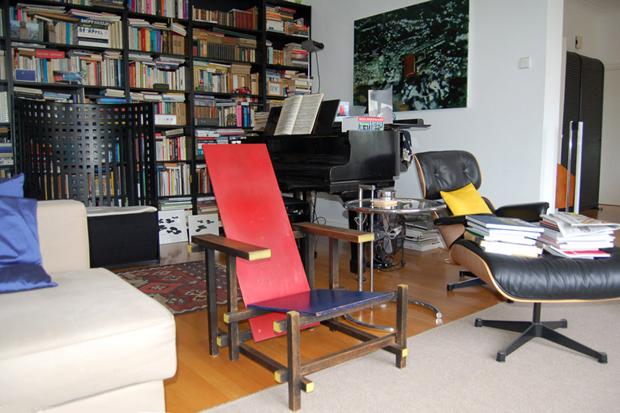 Stoel Gerrit Rietveld : Gerrit rietveld revitalised by studio job design agenda phaidon