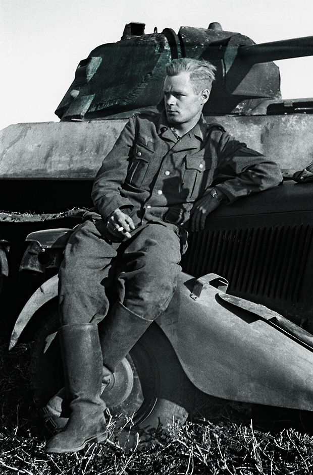 A German soldier with an undercut on the Eastern Front, 1942. From The Barber Book. © MONDADORI Portfolio / AkgImages