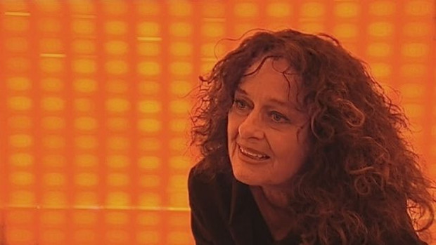 Ingeborg Lüscher in her Amber Room installation, 2008. Image courtesy of Wikimedia commons