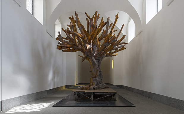 Ai Weiwei, Iron Tree, 2013. Cast iron, edition of 3, (H) 628 x 710 x 710 cm. Images courtesy of the Yorkshire Sculpture Park