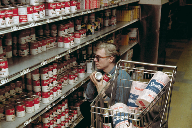 Warhol at Gristedes supermarket, New York (1962)
