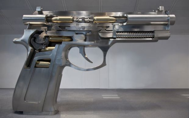 Fire at Both Ends Automatic Handgun (2013) by Wang Luyan