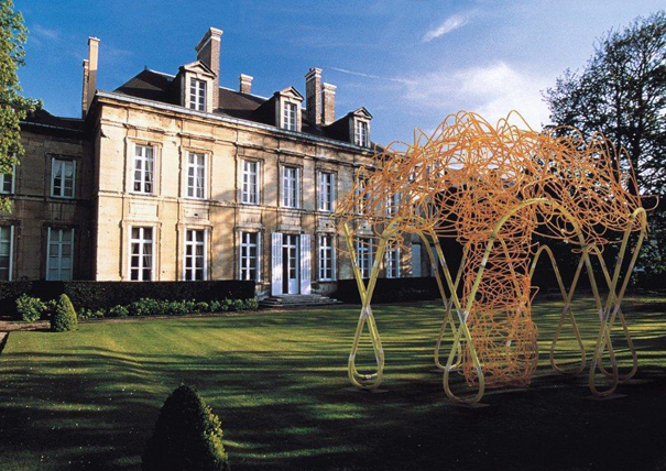 Art in country houses the french way art edit phaidon for French country homes in france