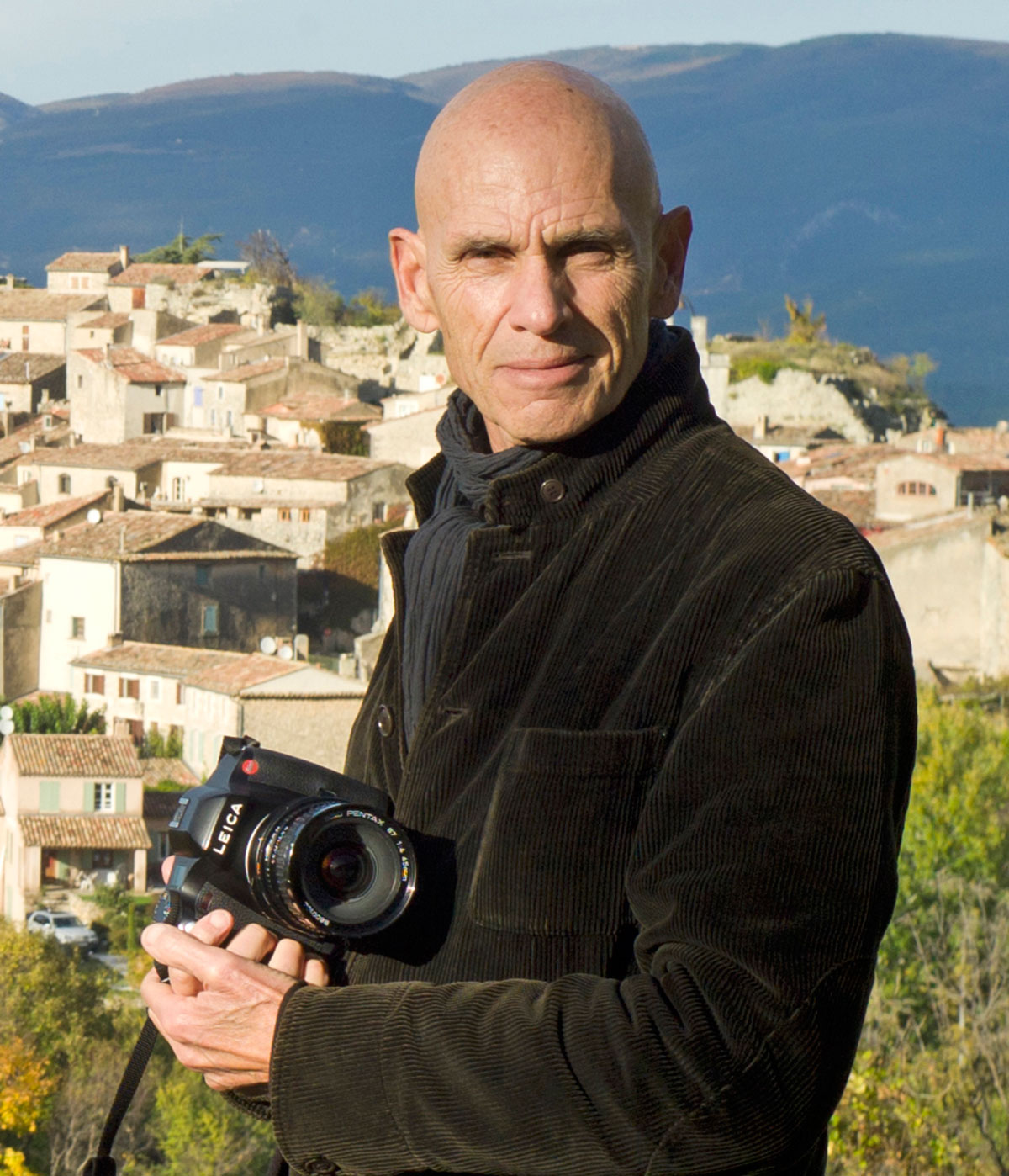 Joel Meyerowitz. Photo by Maggie Barrett. Image courtesy of Rencontres d'Arles. © Maggie Barrett