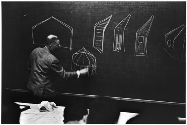 Jean Prouvé giving a course at the Conservatoire National des Arts et Métiers (c. 1968) - Private collection © Edmond Remondino, courtesy of Dominik Remondino. Image courtesy of the Institut Francais