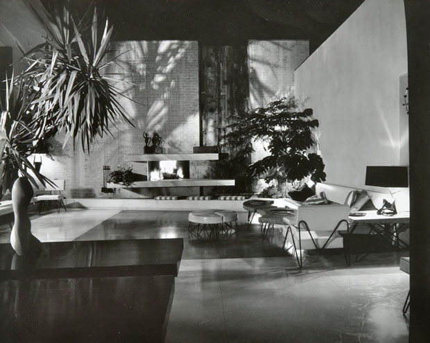 The Brody House, A. Quincy Jones, c. 1950. Photograph by Julius Shulman