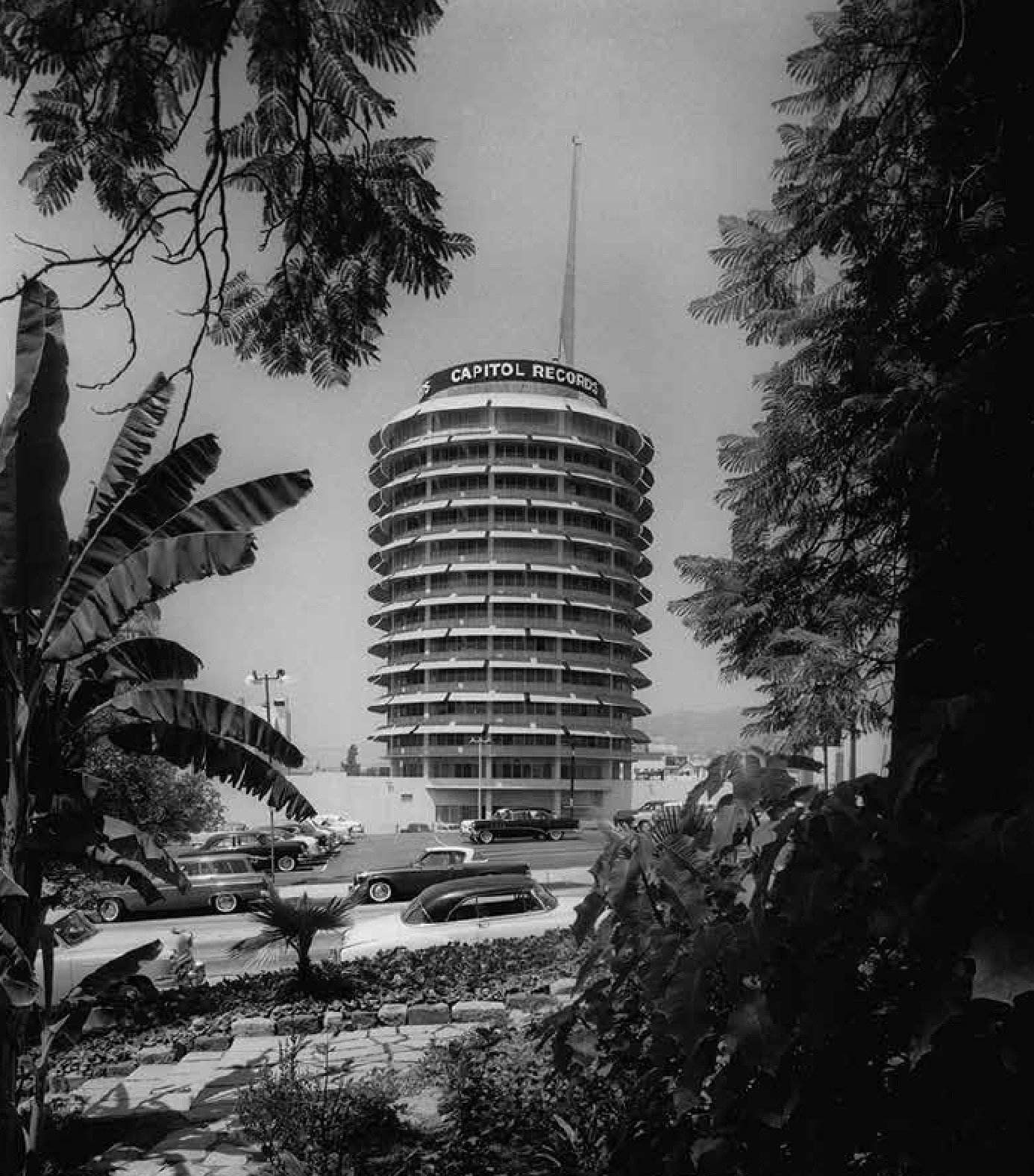 California Captured - The Capitol Records Building