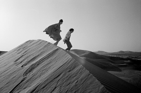 Jeanne-Claude and Christo in Abu Dhabi in 1982