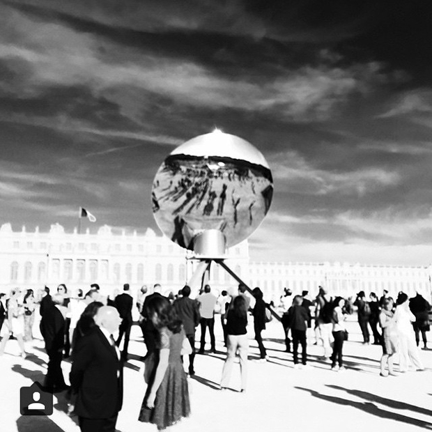 Sky Mirror (2013) by Anish Kapoor. Courtesy of the Château de Versailles Instagram