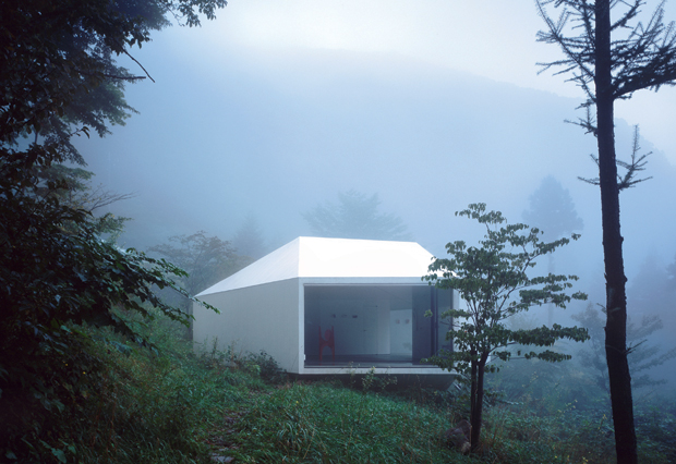Villa and Gallery in Karuizawa completed by Makoto Yamaguchi Architectural Design in 2003