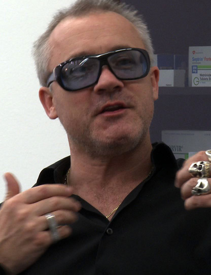 Damien Hirst; still image from the 2010 documentary The Future of Art. Image courtesy of Wikimedia Commons