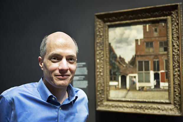 Alain de Botton at the Rijksmuseum. Photograph by Vincent Mentzel