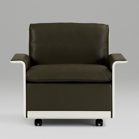 Dieter Rams' 620 chair by Vitsoe