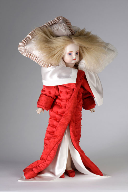 Viktor&Rolf Hana, Bedtime Story collection, AW 2005 Photo © Team Peter Stigter
