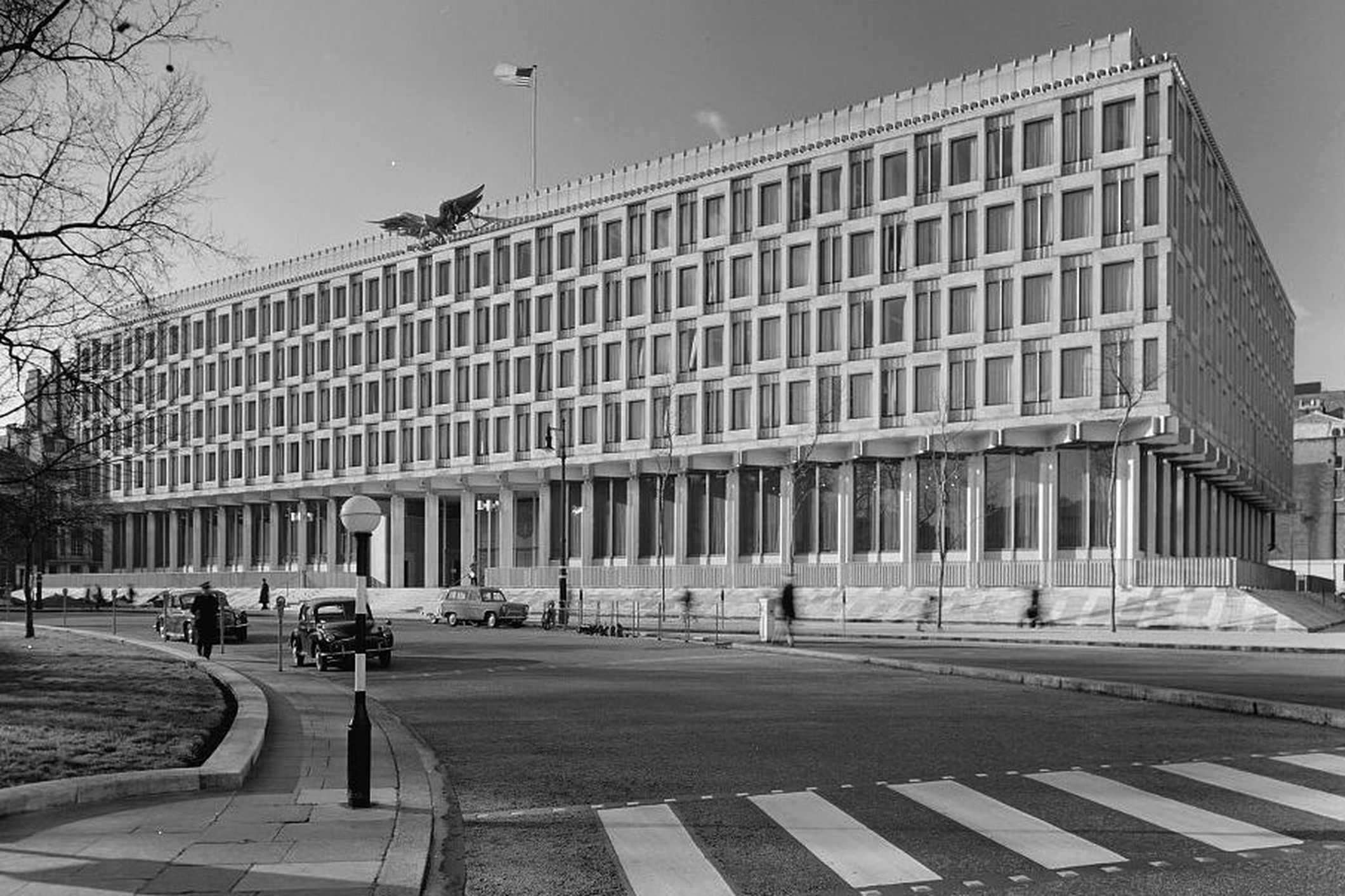 US Embassy - Eero Saarinen London, England (GB), 1960 as featured in Atlas of Brutalist Architecture