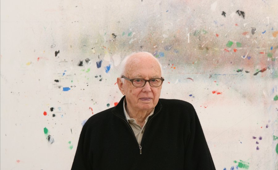 The artist Ellsworth Kelly in his home studio (photo by Jack Shear). Image courtesy of Artspace