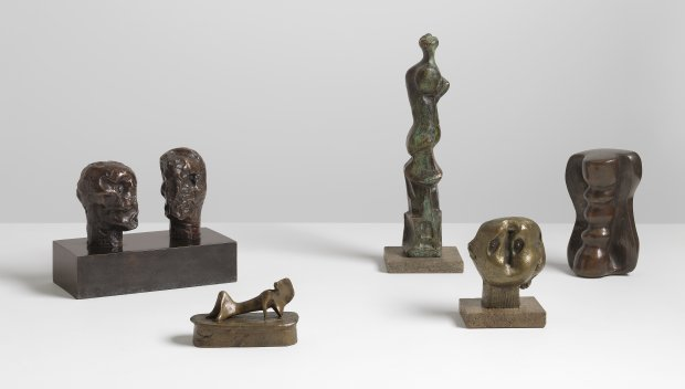 From left to right: Emperors' Heads, 1961; Maquette for Reclining Figure: Cloak , 1966; Upright Motive D, 1968; Doll Head, 1967 and Column, 1973 Photo: Mike Bruce. Courtesy Gagosian Gallery. Reproduced by permission of The Henry Moore Foundation.