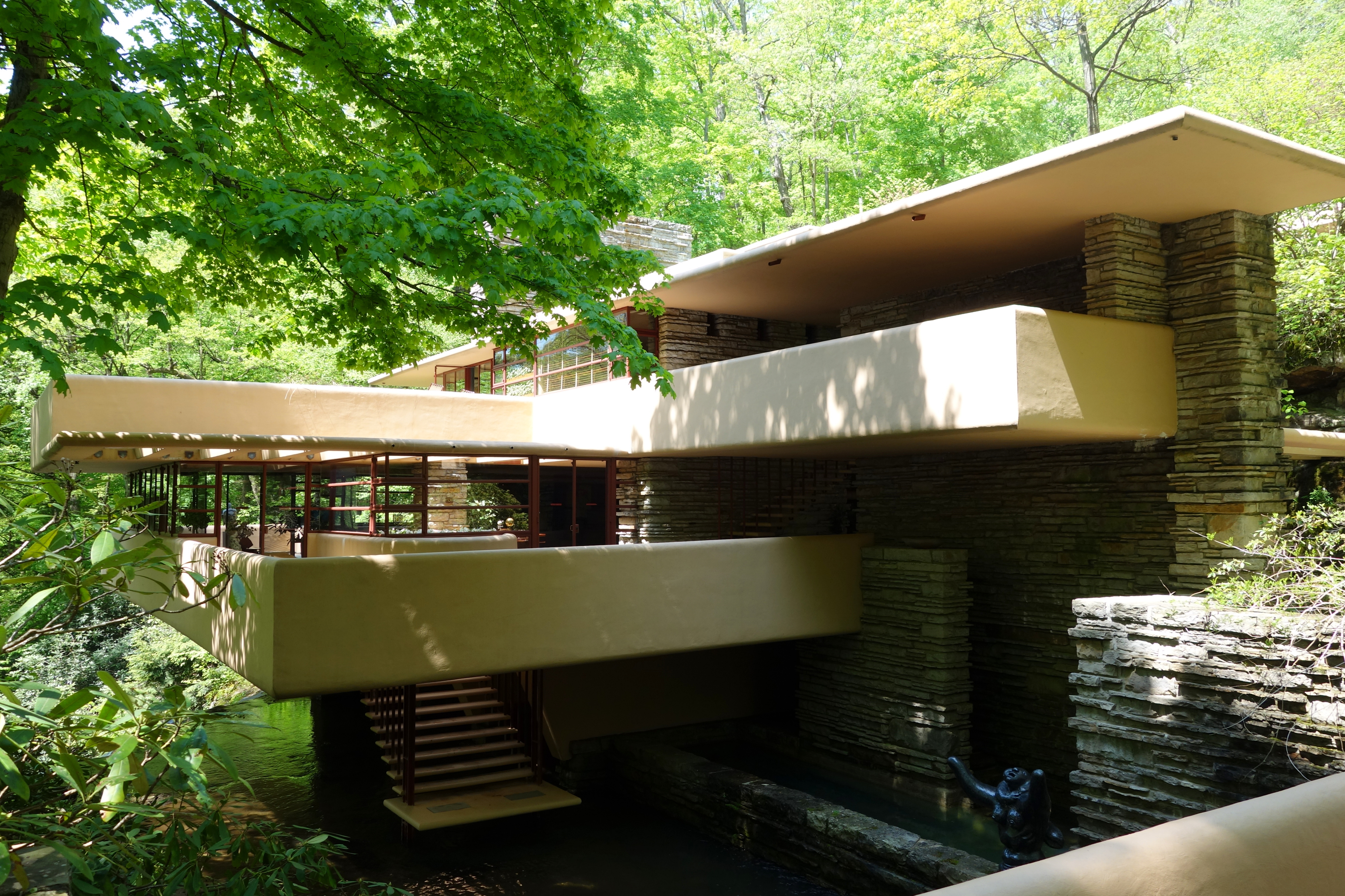frank lloyd wright 39 s fallingwater explained architecture agenda phaidon. Black Bedroom Furniture Sets. Home Design Ideas