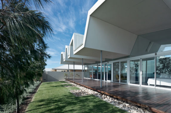 Florida Beach House (Iredale Pedersen Hook Architects), Palm Beach, Australia, 2011. Photograph by Peter Bennetts