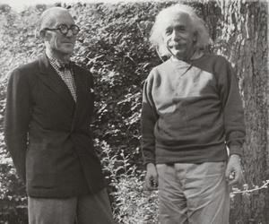 Why was Le Corbusier so intent on meeting Albert Einstein?