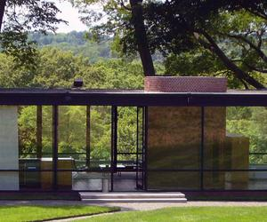 Philip Johnson's Glass House - inside and out
