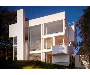 Take a look inside this Richard Meier house