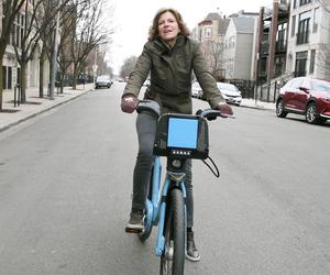 Watch Jeanne Gang tell you about her new book (while cycling to the office)