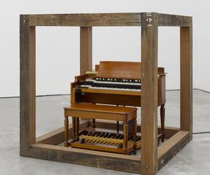 Theaster Gates puts a Hammond organ in his new show