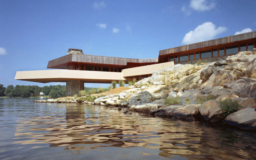 For sale: an audacious rendition of a Frank Lloyd Wright