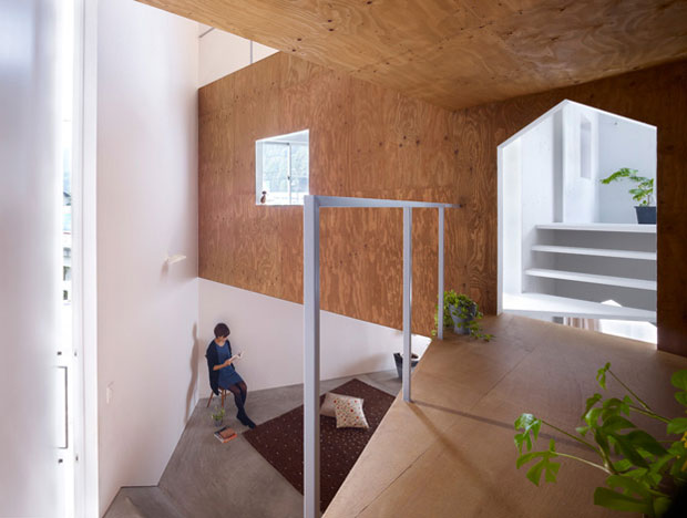 A-mazing! House in Fukawa by Suppose Design Office