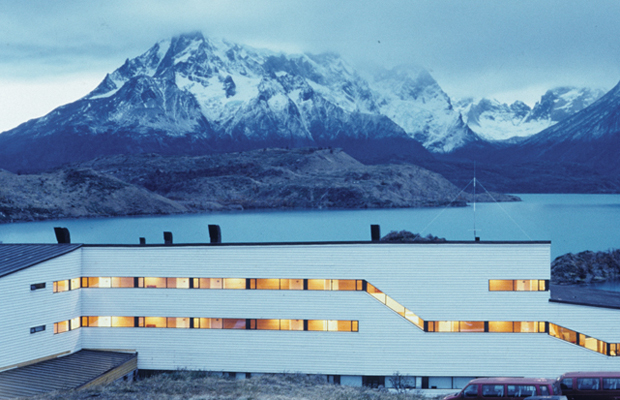 Germán del Sol and José Cruz, Hotel explora en Patagonia (1995), Torres del Paine National Park