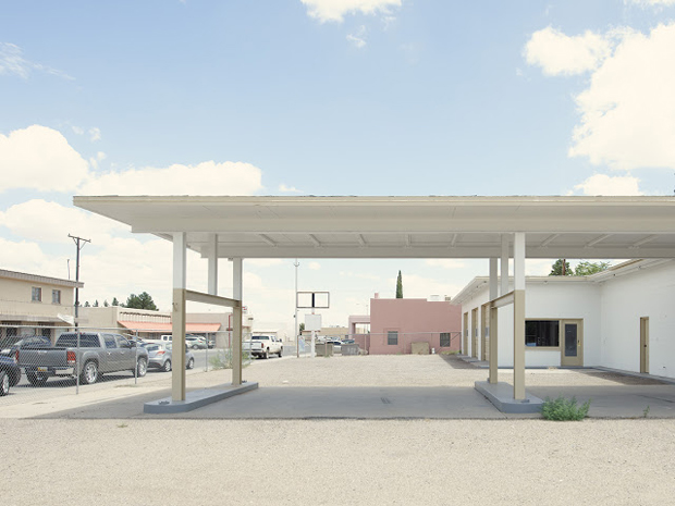 Gas Station East Spruce Street Deming New Mexico - Iñaki Bergera