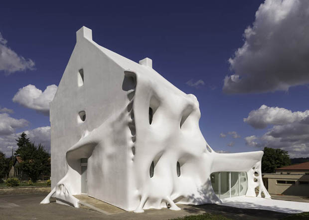 The Marcel Duchamp-inspired Ghost house