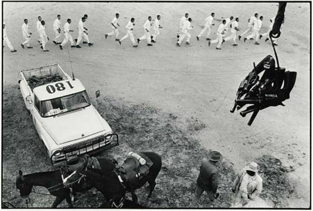 Guns are passed to the picket tower, Ferguson Unit - Danny Lyon